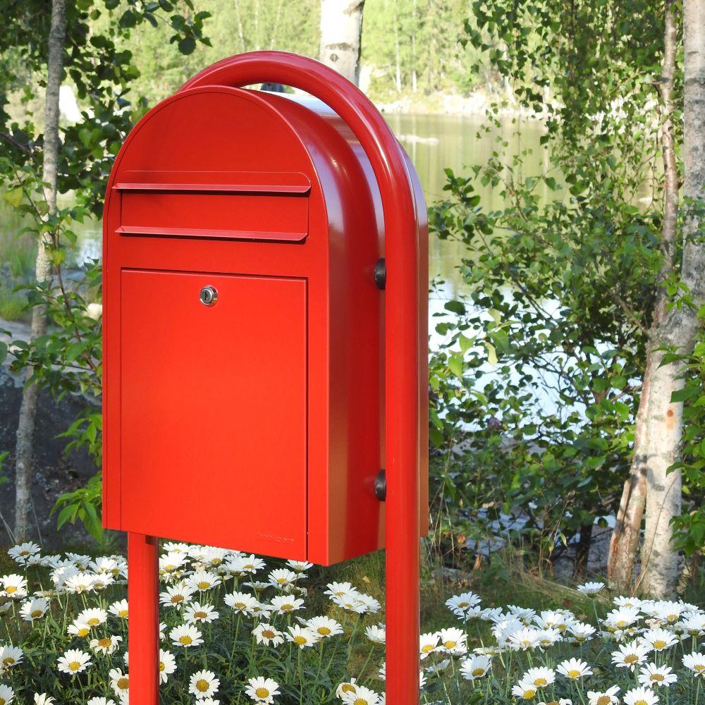 Suomalaiset Bobi-postilaatikot maailmalla Varaxin jaloin